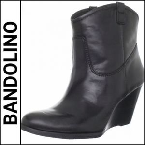 BANDOLINO Master Leather Wedge Ankle Booties!